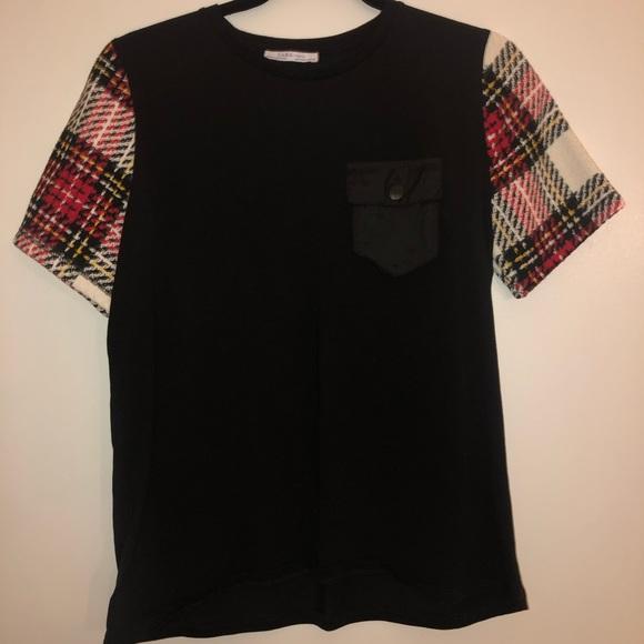 Zara Tops - Zara t-shirt with plaid sleeves